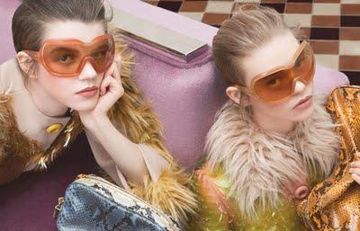 prada eyewear lunettes fall 2011 1 Lunettes de Soleil Prada Hiver 2011 2012