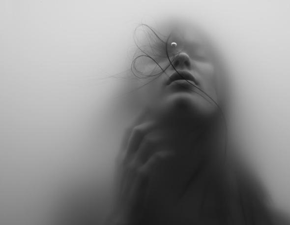 , Underwater Girl par Jacob Sutton : Troublants Photos Portraits sous l'Eau