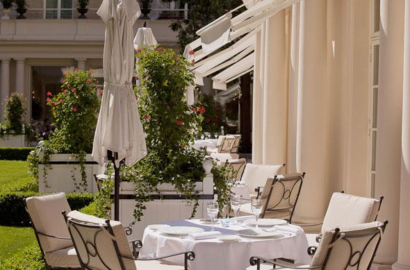 , Hôtel Le Bristol Paris : Jardin Intérieur pour Gourmets