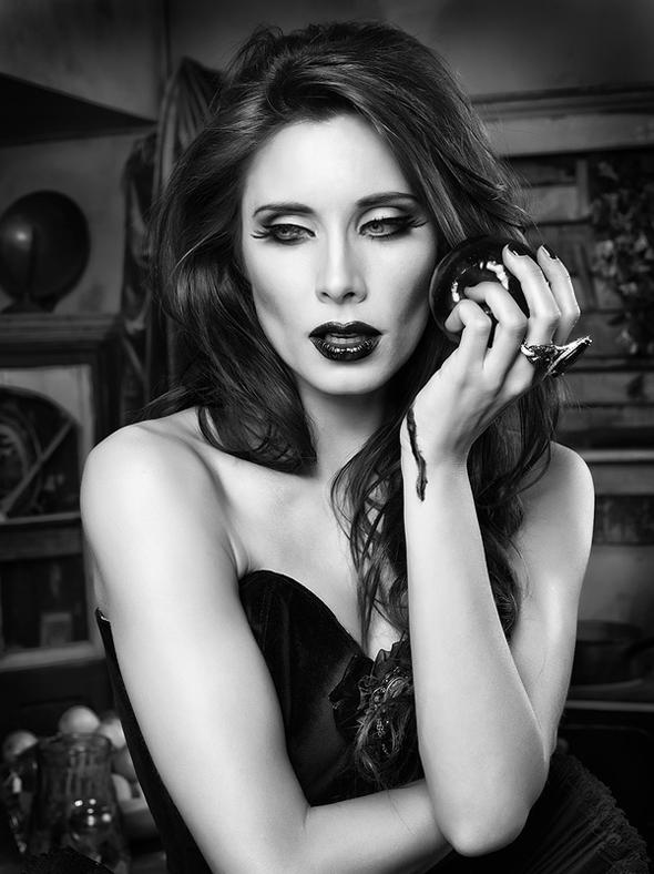 Rebeca-Saray-Gude Photo-2