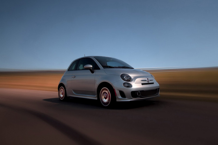 2013 Fiat 500 USA Turbo Dr Dre 2 Fiat 500 Turbo 135 Ch MultiAir avec Sono Beats by Dr. Dre