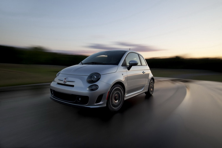 2013 Fiat 500 USA Turbo Dr Dre 3 Fiat 500 Turbo 135 Ch MultiAir avec Sono Beats by Dr. Dre