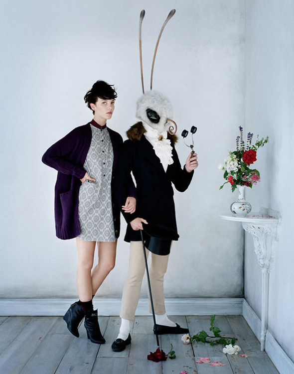 undercover uniqlo tim walker fw 2012 2013 5 Undercover for Uniqlo Hiver 2012 2013 : Lookbook par Tim Walker