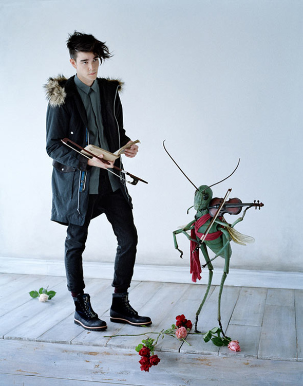 undercover uniqlo tim walker fw 2012 2013 7 Undercover for Uniqlo Hiver 2012 2013 : Lookbook par Tim Walker