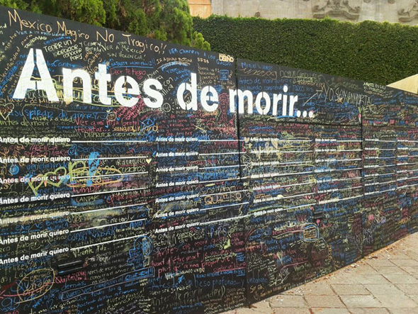 "9 Street Art Before i Die Candy Chang - Street Art ""Before i Die"" Wall par Candy Chang : Le Mur de l'Espoir"