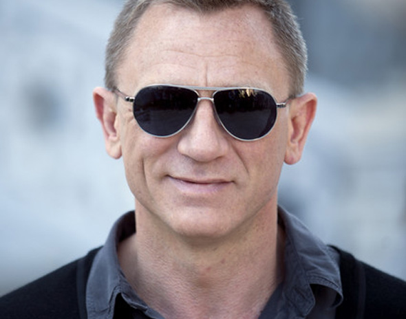 3 james bond 007 skyfall tom ford James Bond 007 Skyfall : Costumes et Lunettes Aviator Tom Ford