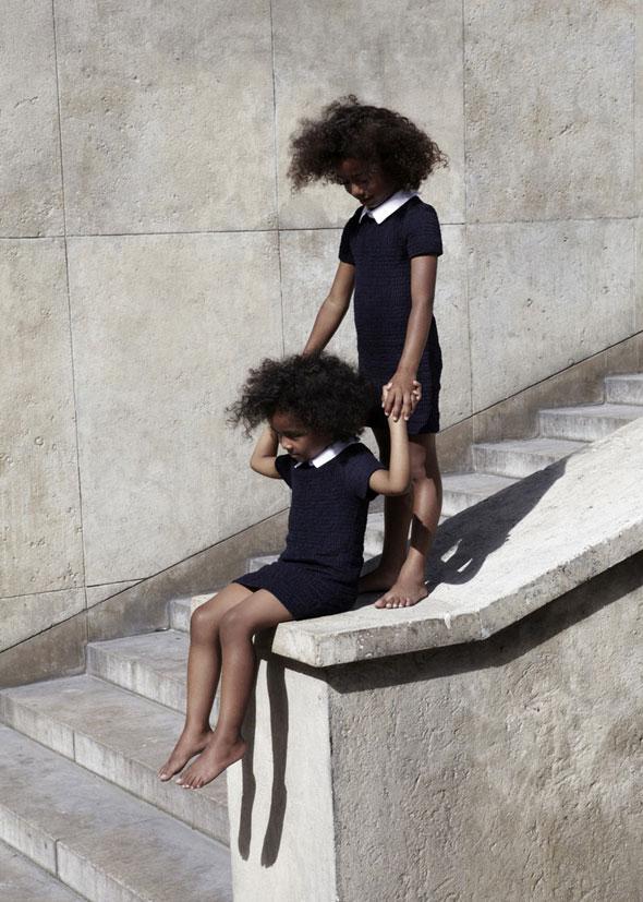 , Carven x Petit Bateau : Une Collection Chic et Parisienne
