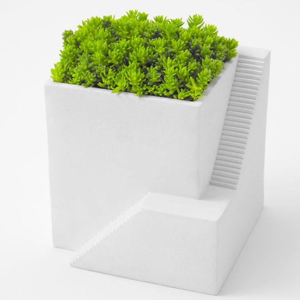 , Ienami par Metaphys : Petites Maisons pour Petites Plantes