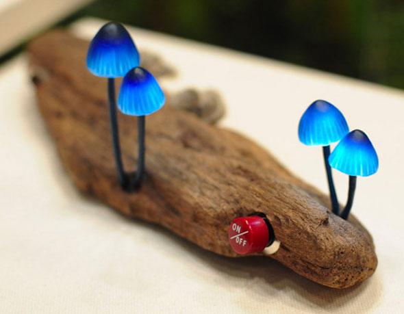 Lampes LED Champignons sur Branches par Yukio Takano