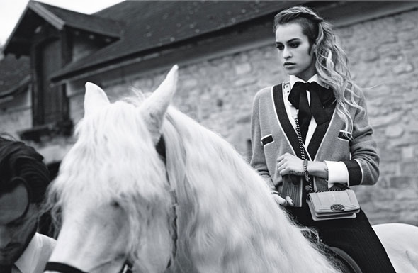 , Campagne Sacs Chanel Boy Ete 2013 avec Alice Dellal