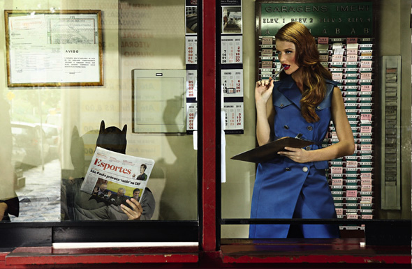 , Glamour Bresil Mars 2013 : Cintia Dicker et son Batman