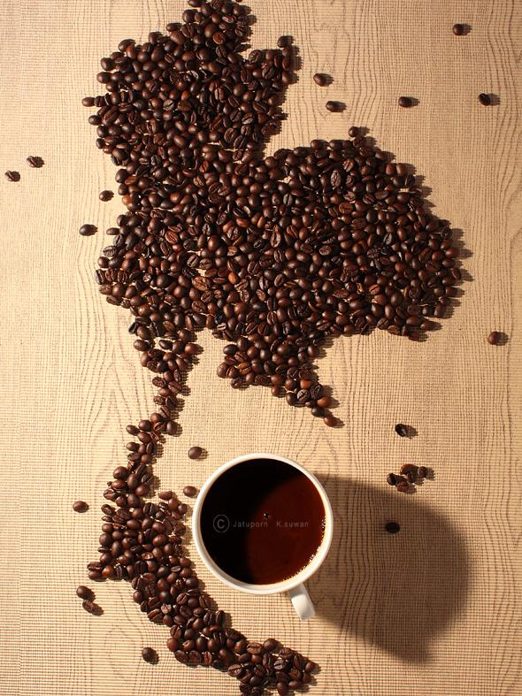 , Photographie Jatuporn K.Suwan : La Joconde et John Lennon en Grains de Café