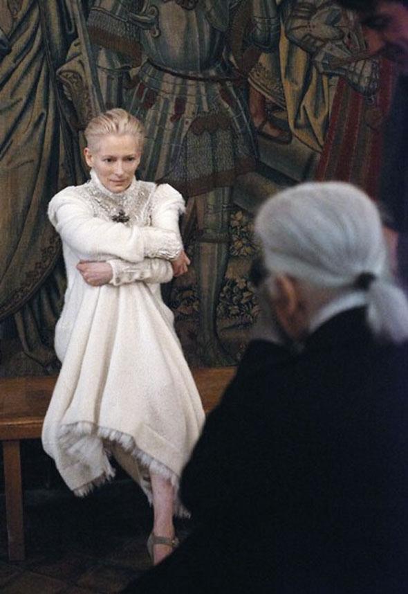 , Tilda Swinton Promue Egerie Chanel pour l'Hiver prochain