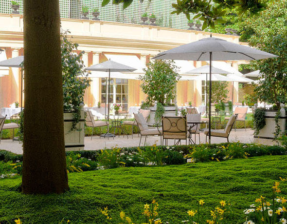 Hotel bristol de paris hd 1080p 4k foto for Diner jardin paris