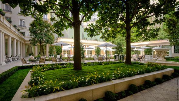 , Hotel Le Bristol : Le Nouveau Jardin en Plein Coeur de Paris