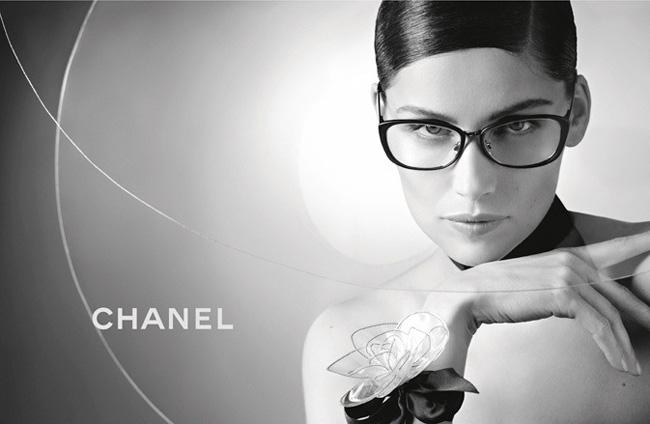 Lunettes Chanel Ete 2013 avec Laetitia Casta   Toute la Campagne en ... 00410c8e76fc