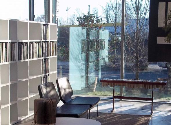 , The Booken par Raw Edges et Lema la Bibliothèque Table Etagère