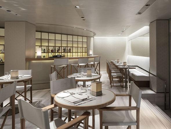 , Nouvelle Boutique et un Giorgio Armani Caffé à Cannes sur la Croisette