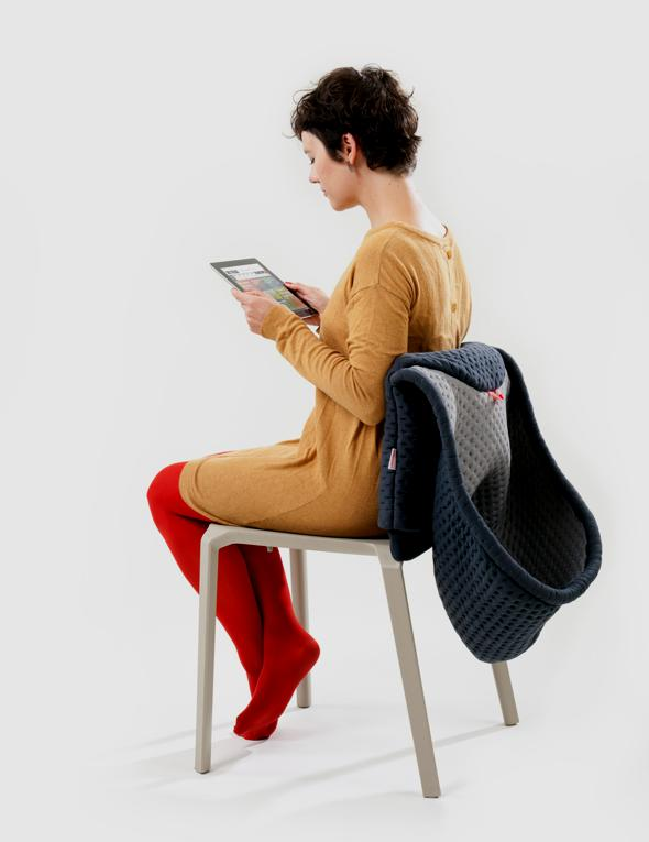 , Chair Wear By Bernotat&Co : Housse Isoloir de Chaise avec Capuche (video)