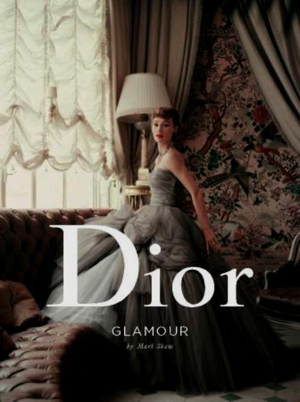 , Dior Glamour 1952/1962 par Mark Shaw : un Ouvrage d'Elégance