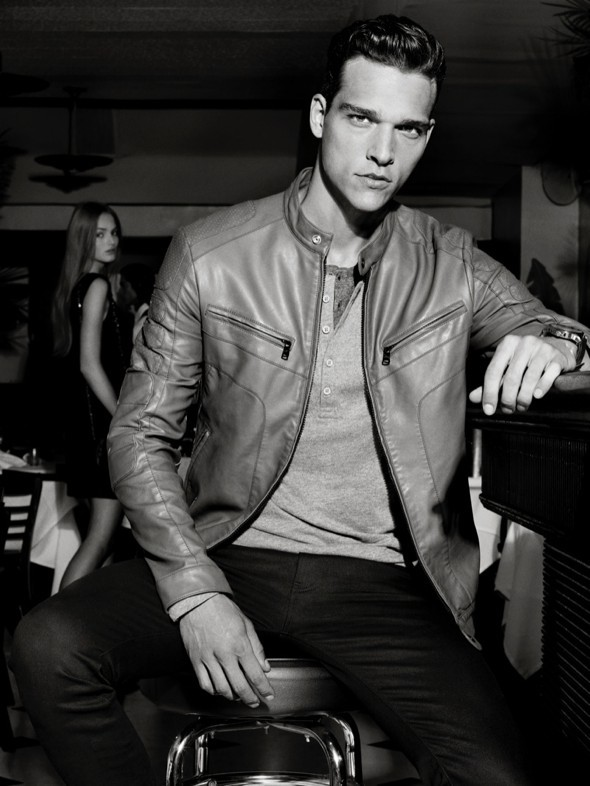 AX-Girogio-Armani-Exchange-Holiday-2013-Noel-Fetes-00