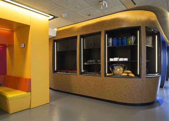 Office Lunching Habits Stephanie Gonot Dejeuners Bureau Photo 00 - QG Google Madrid : Nouveau Design aux Couleurs de l'Espagne