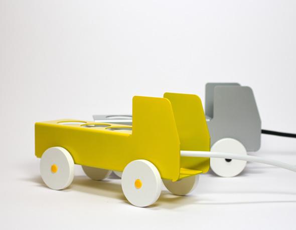 , PlugTruck par Jörg Gätjens : Petit Camion pour Bloc Multiprise