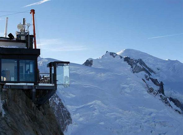 Pas dans vide Chamonix Cabine Verre Suspendue Aiguille Midi Mont Blanc 2 - Un Pas dans le Vide à Chamonix, Cabine en Verre Suspendue à 3842 mètres d'Altitude (video)