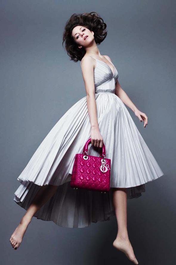 , Sacs Lady Dior Printemps Eté 2014 : Marion Cotillard joue encore la Lady Dior (video)