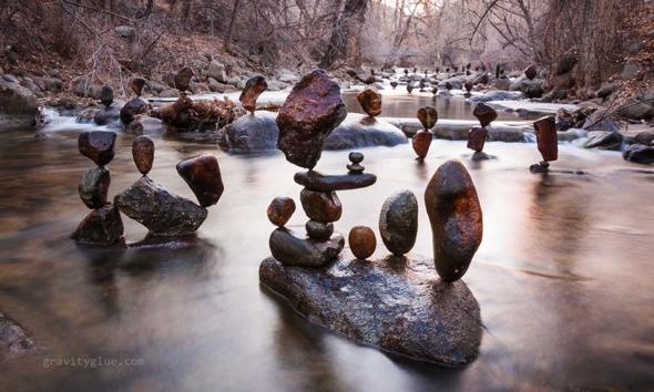 land art pierres sculptures michael gra, Land Art par Michael Grab : Équilibre Precaire de Sculptures Ephemeres (video)