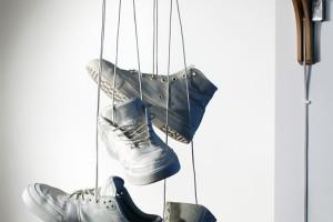 chaussure-toss-luminaire-baskets-lampe-1