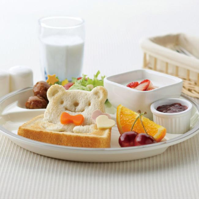 moule ourson toast pain emporte piece kawaii 04 - Cet Emporte-Piece va Transformer vos Toasts en Adorables Pandas
