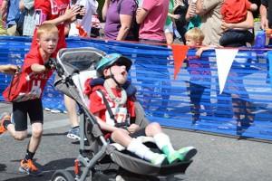 noah-lucas-aldrich-enfant-frere-handicap-triathlon-01