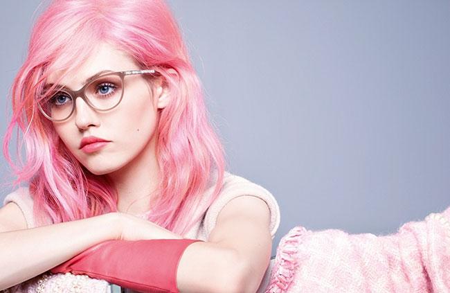 , Lunettes Chanel Femme, l'Hiver sera Rose et Glamour