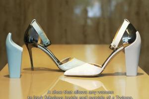Renaud-Twingo-Stilletos-Chaussures-Conduite-2
