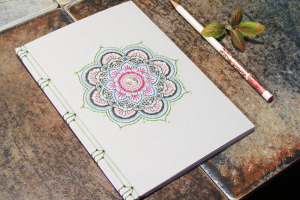carnet-note-croquis-brode-FabulousCatPapers-1