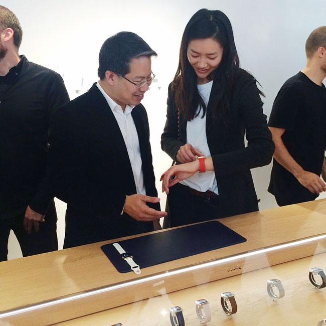 , Liu Wen une Egérie Mode pour la Montre Connectée Apple Watch