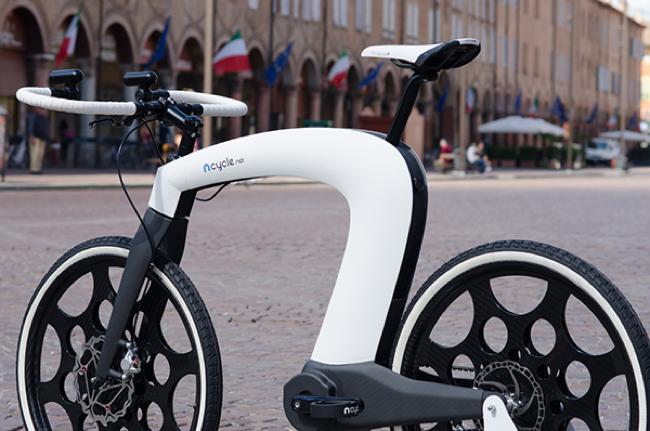 , nCycle, un Vélo Révolutionnaire sans Cadre et sans Rayons (video)