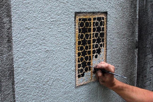 street art pejac illusion optique trompe oeil istanbul 06 - Pejac peint en Trompe-l'Oeil des Fenêtres sur Cour dans les Rues d'Istanbul