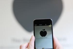 boutique-pommes-londres-real-apple-store-borough-market-1