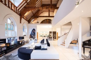 eglise-transforme-loft-maison-deco-londres-0