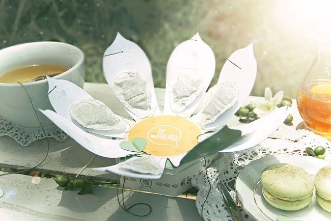 , Sachet de Thé dans une Fleur de Jasmin ou de Camomille