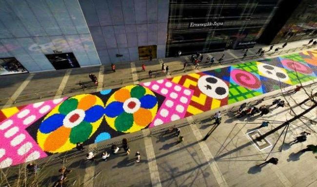 plus grand tapis bonbons monde chine art 3 - Le Plus Grand Tapis de Bonbons au Monde est à Chengdu en Chine (video)