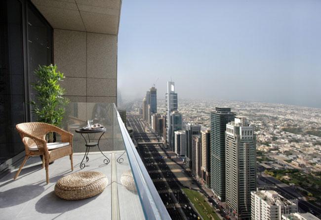 , Ce Labyrinthe Vertical de 57 étages est un Building situé à Dubai