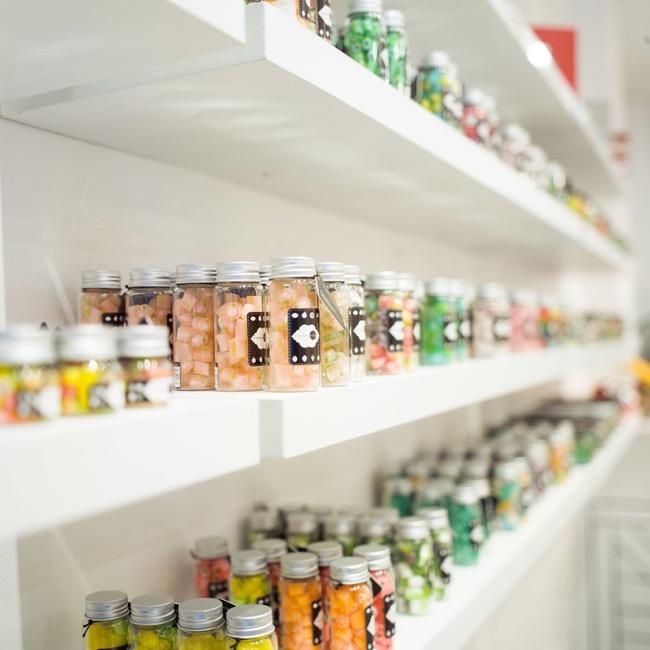 confiserie artisanale bonbons candylabs montreal canada 1 - Cette Confiserie Artisanale ouvre ses Ateliers aux Gourmands (Vidéo)