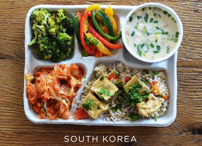 plateau repas ecole enfant monde sweetgreen photos 7 - Decouvrez les Repas des Enfants dans les Ecoles du Monde Entier