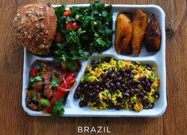 plateau repas ecole enfant monde sweetgreen photos 8 - Decouvrez les Repas des Enfants dans les Ecoles du Monde Entier