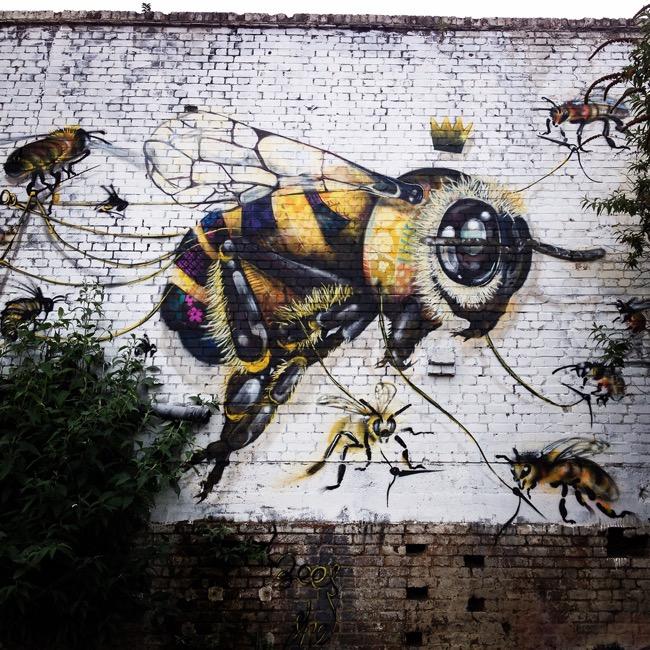 louis-masai-michel-street-art-londre-abeilles-realiste-2
