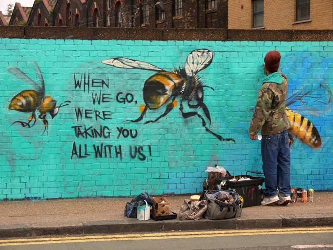 louis-masai-michel-street-art-londre-abeilles-realiste-8