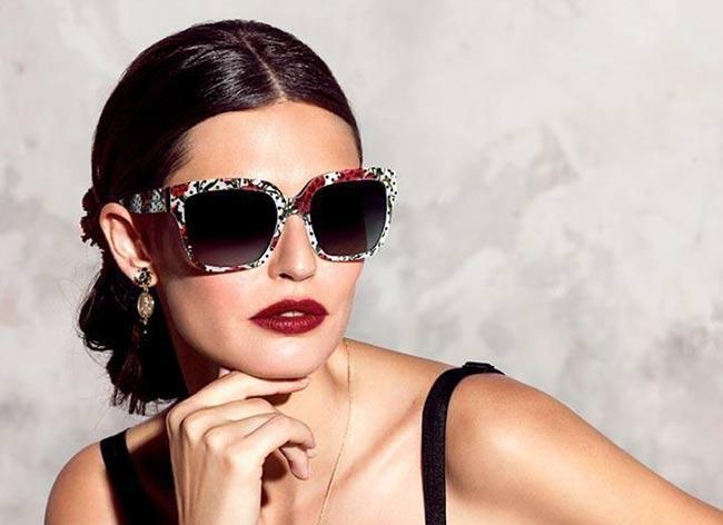 Lunettes Dolce   Gabbana Ete 2015, Monture XXL et Dentelle ... 25ab76ccd9dd